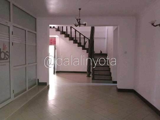 5 BDRM HOUSE NEAR DON BOSCO ADA ESTATE image 8