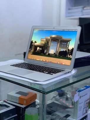 macBOOK air 2014 (Corei 5,Ram 4, 128 Ssd) image 2