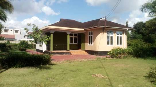House for rent Boko Magengeni image 3