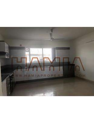 3 Bdrm Apartments in Oysterbay image 3