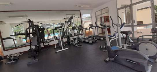 3 Bedroom Spacious Apartment For  Re t in Oysterbay image 4