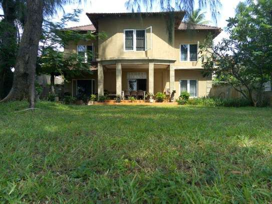 3 Bdrm  Beach House at Kawe $1000pm