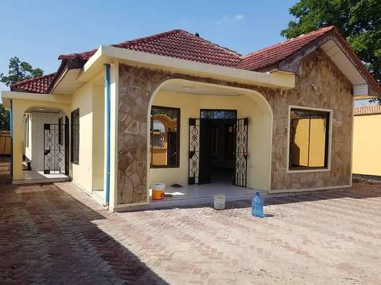 4BEDROOMS HOUSE FOR RENT AT MIKOCHENI B image 1