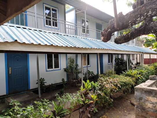 office at ada estate 3bed house and 7 offices $1800pm image 14
