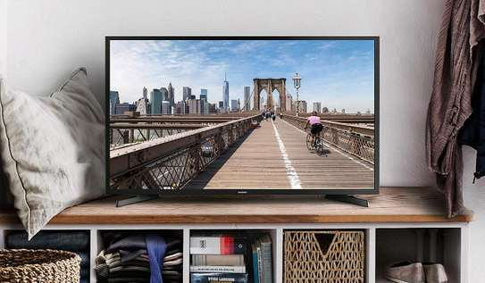Samsung 32 LED HD TV image 1