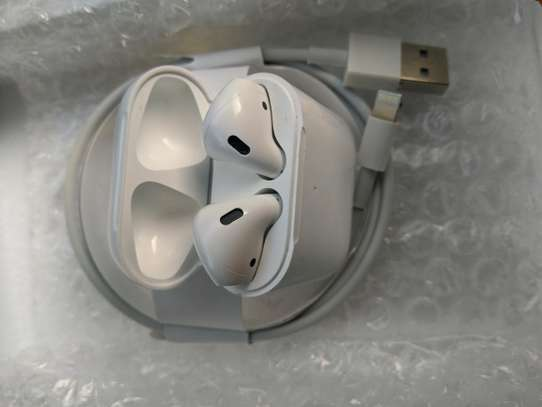 apple airpods image 3