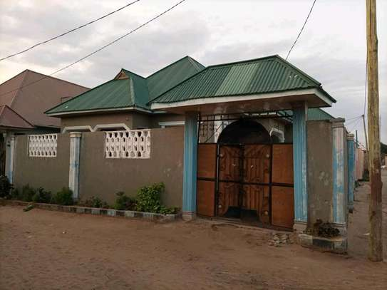 3bedroom house in Mbagala Saku for sale.