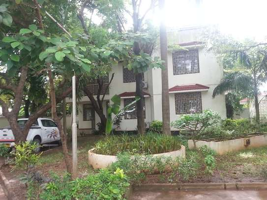 4 Bedrooms Villa In A Leafy Compound In Masaki For Rent