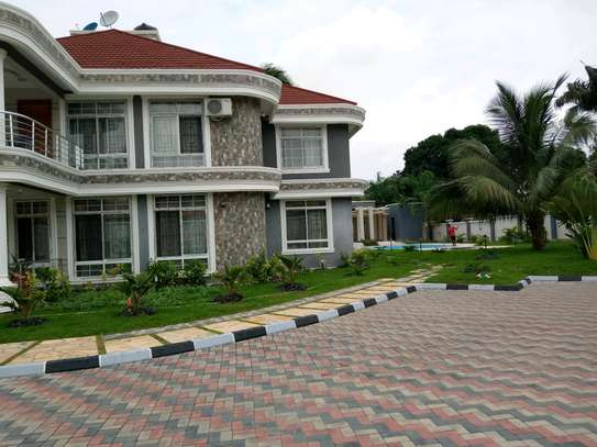 5 Bdrm Executive New Bungalow House Sqm 3500. in Mbezi Beach image 3