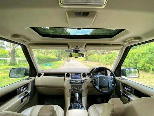 2011 Land Rover Discovery image 9