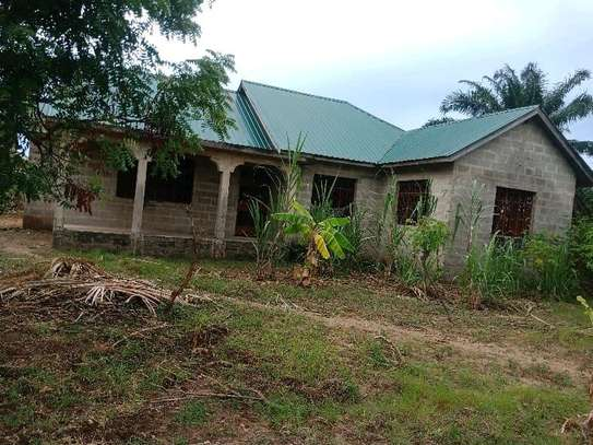 House for SALE t sh mL120 image 1