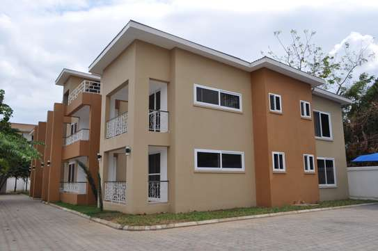 3 Bedroom Apartments In Oysterbay