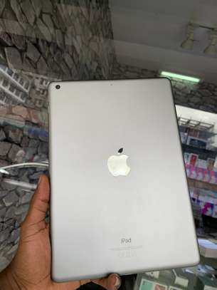 iPad Air 2 ( 6th Generation ) 32GB Spacegray for sale image 4