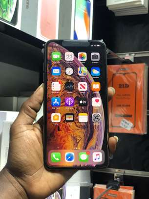 iPhone XS Max 64GB GOLD for sale image 8