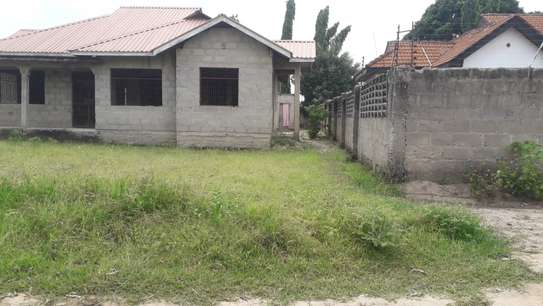 3 bed room house for sale self container at ununio image 9