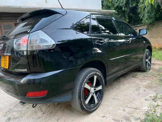 2005 Toyota Harrier image 8