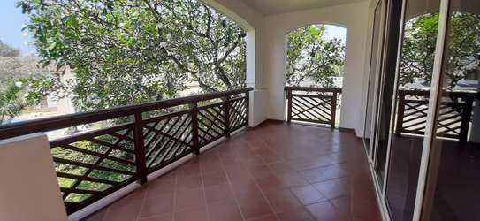 3 Bedrooms Apartment in Oysterbay For Rent