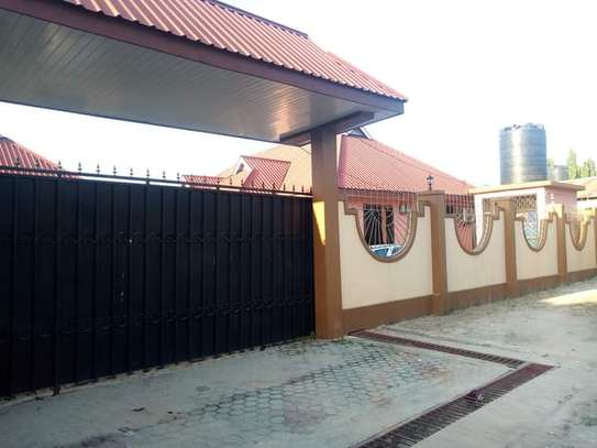 3 bed room big house for sale  at ukonga area image 9
