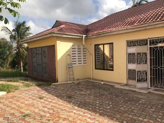 4 bed room house for sale at kimara image 3