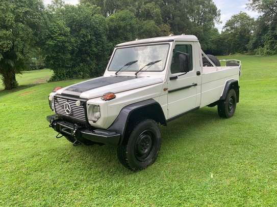 1994 Mercedes-Benz 290GD 4WD PICK UP USD 20,000/= UP TO DAR PORT TSHS 87MILLION ON THE ROAD image 5