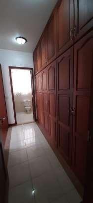 3 Bedroom Spacious Apartment For  Re t in Oysterbay image 8