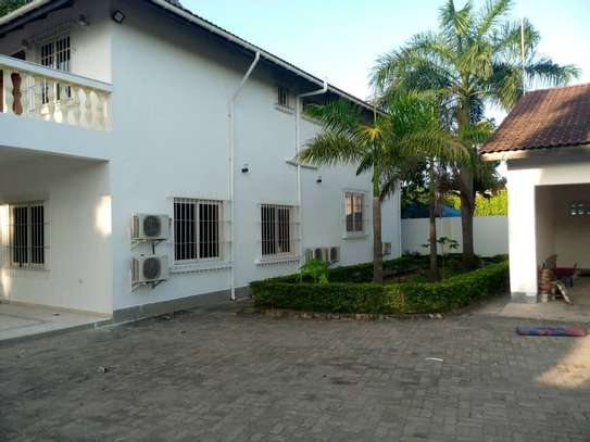 4 bed room all ensuite for rent house at avocado near tripple seven image 5