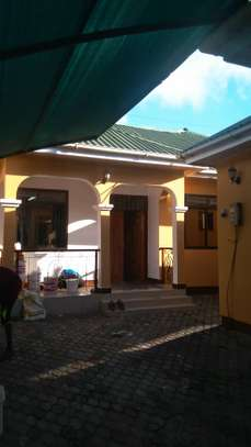 TWO HOUSES IN ONE COMPOUND FOR RENT IN LUFUNGIRA/MWENGE image 2