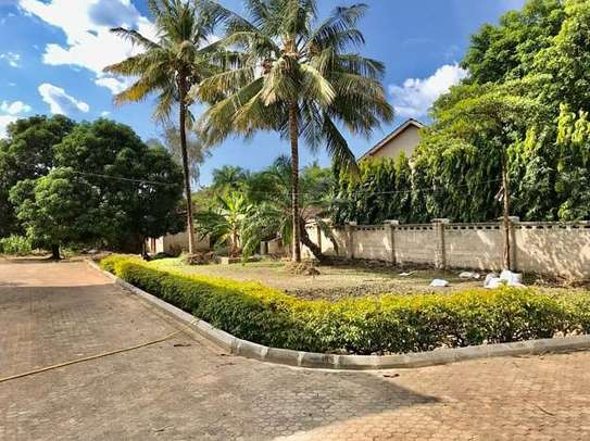 5 bedrooms house at mbezi beach image 2