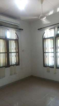 3bed apartment at alhassan mwinyird down town city centre tsh800000 image 5