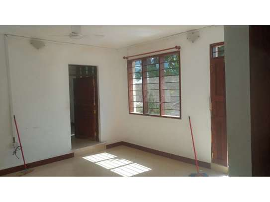 2 bed room all ensuet for rent at masaki image 9