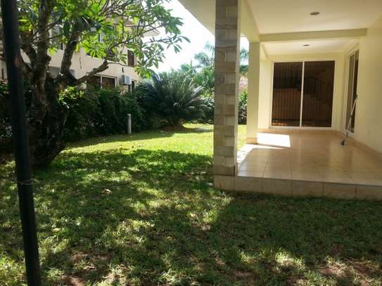 4 bedrooms Villa in Gated Compound In Oysterbay For Rent image 2