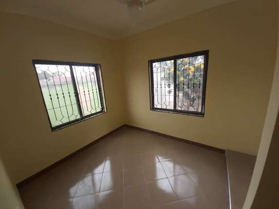 6 bedroom house for rent suitable for OFFICE image 5