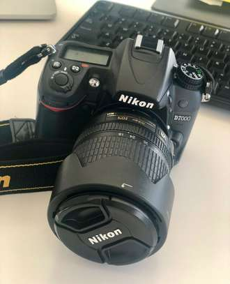 Nikon D7000, Digital SLR Camera, Lens 18-105mm