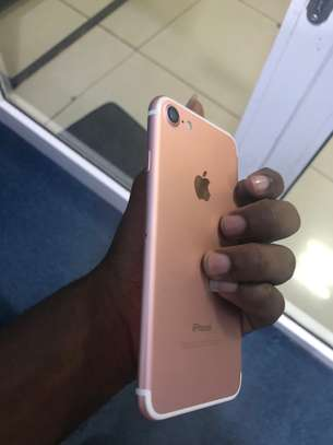 iPhone 7 32GB Rosegold for sale image 4