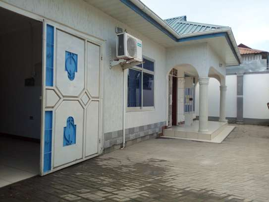 Nicely 3bedroom house at Sinza Mapambano to let.