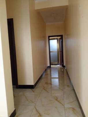 2 bedroom apartment in Msasani Tsh 700,000/- image 5
