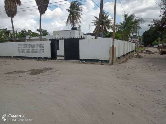 3  bedrooms house at American embassy $700pm image 10