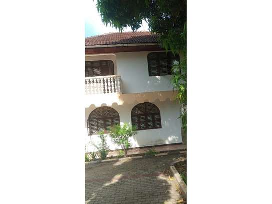 4bed house at mbezi beach tsh 1,000,000 image 4