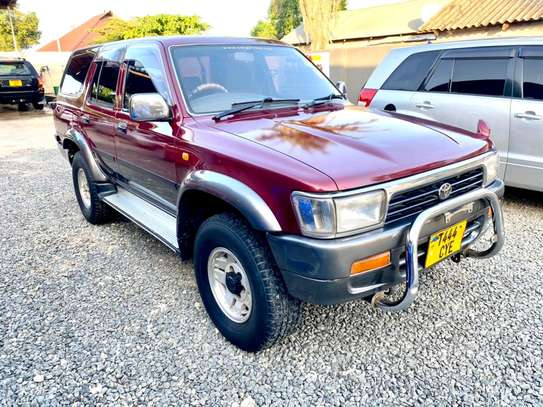 1993 Toyota Hilux Surf image 5