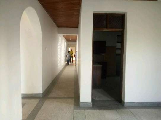 4bedroom house in Mikocheni A' to let $1200. image 5