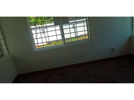 4 bed big house for rent at masaki $1500 image 2