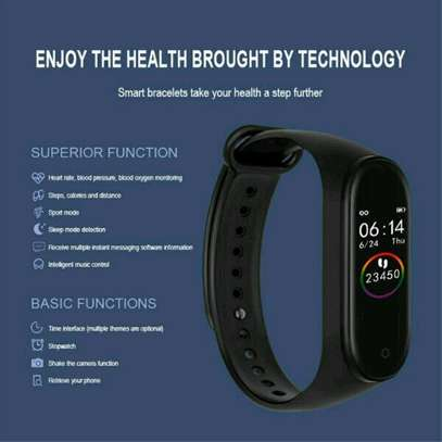 M4 SMART FITNESS TRACKER image 4