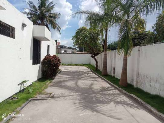 3  bedrooms house at American embassy $700pm image 2
