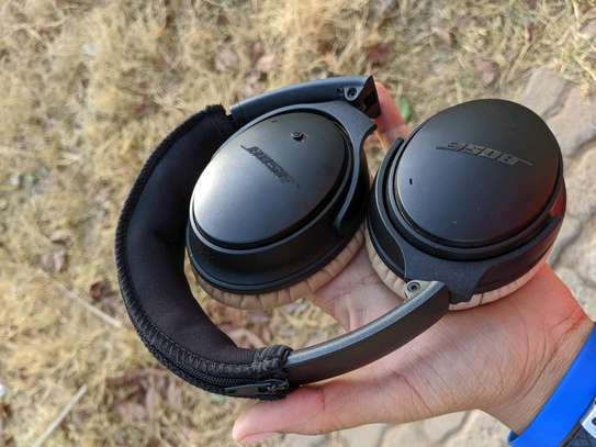 Bose QuietComfort 25 Noise Cancelling Headphones.