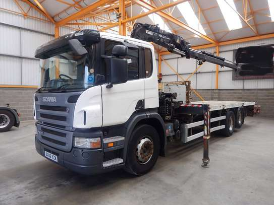 2006 Scania P270 6X2 FLATBED/CRANE TSHS 107MILLION ON THE ROAD