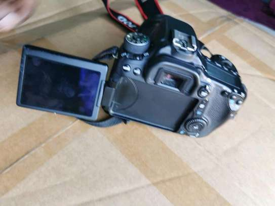 CANON EOS 70D WITH 10-18MM LENS image 4