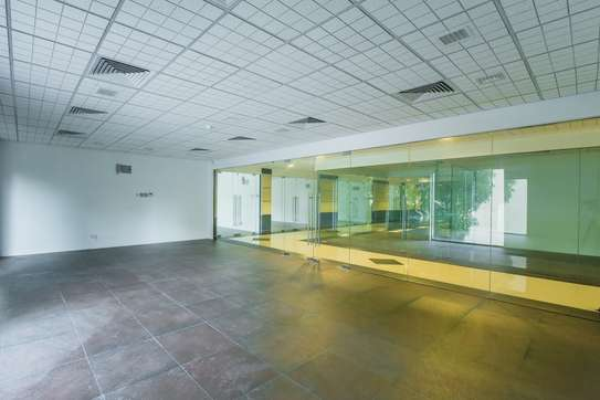 180 Plus Square Meters Office at the City Center image 1