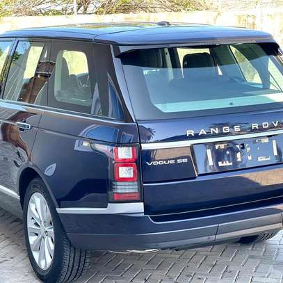 2015 Land Rover Range Rover Vogue image 2