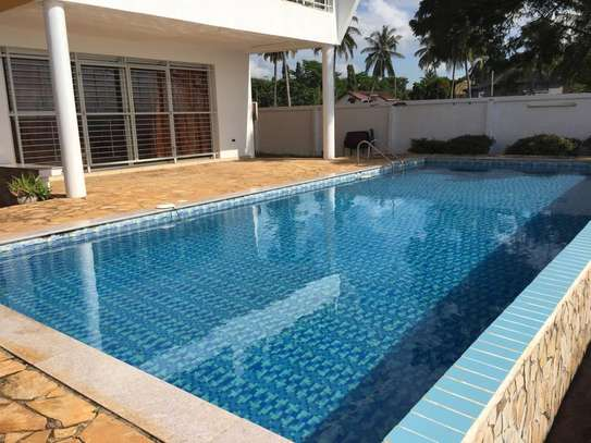 4bed beach villa at kawe $1500pm image 3