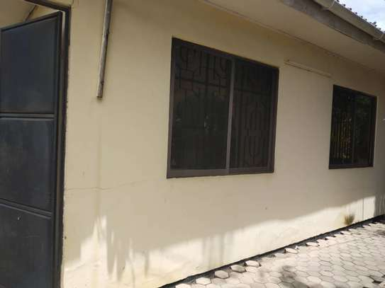 RENT 3 BEDROOMS TABATA KINYEREZI STANDALONE HOUSE FOR LOW PRICE image 1